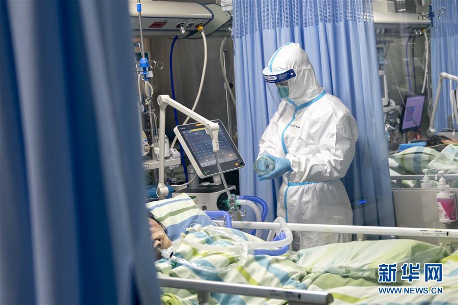 """(新华全媒头条·图文互动)(2)守护天使 同心战""""疫""""——各地多措并举关爱一线医务人员扫描"""