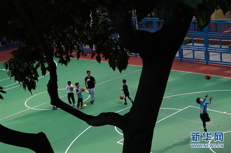 (XHDW·圖文互動)(6)疫情下的香港:艱難卻充滿希望