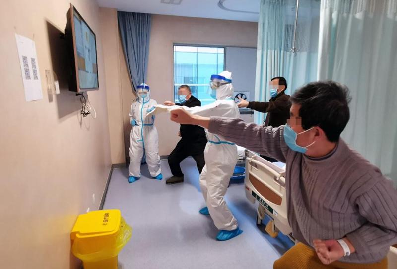 """武汉战""""疫"""" 中医药首次大规模参与灾难救援"""