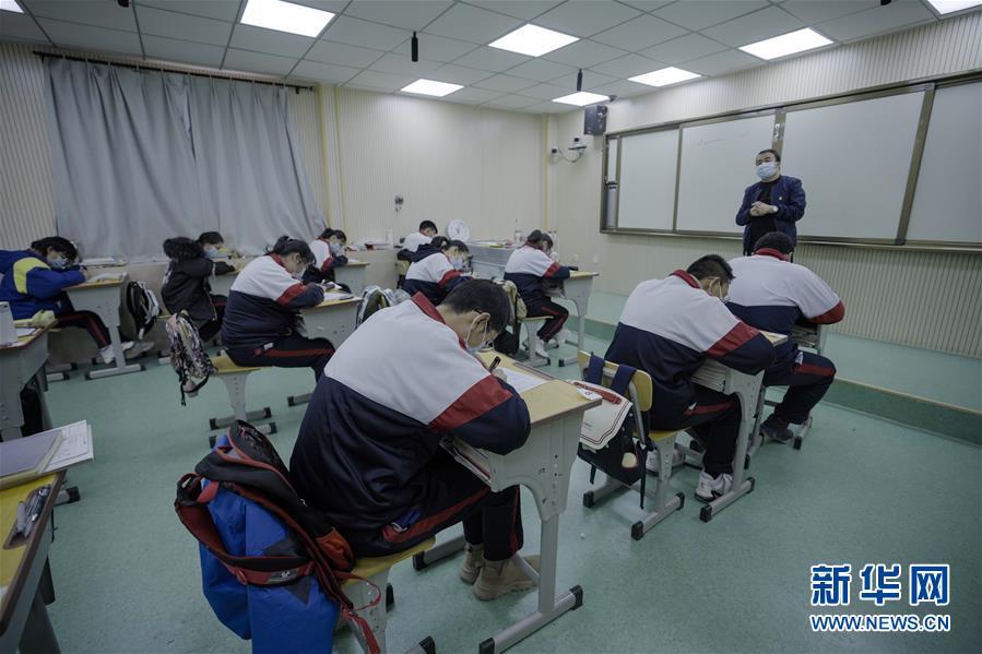 (新华全媒头条·图文互动)(1)春天里的琅琅书声━━部分地方学校开学见闻