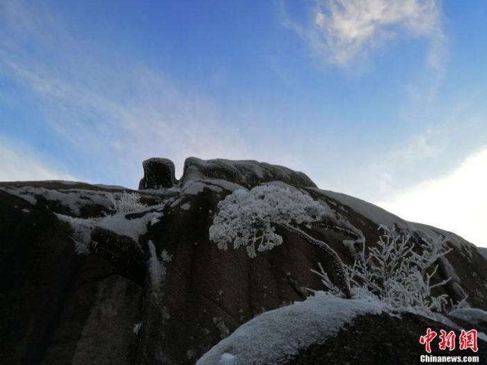 黄山风景区:15日起日进山游客最大承载量调整为1.5万
