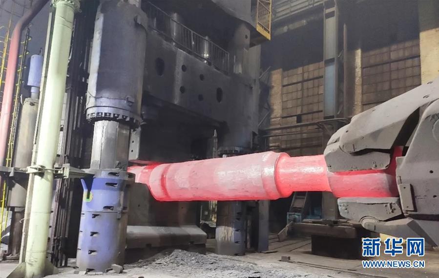 """(聚焦复工复产·图文互动)(6)""""大国重器""""生产如火如荼——装备制造业基地齐齐哈尔加快复工复产见闻"""