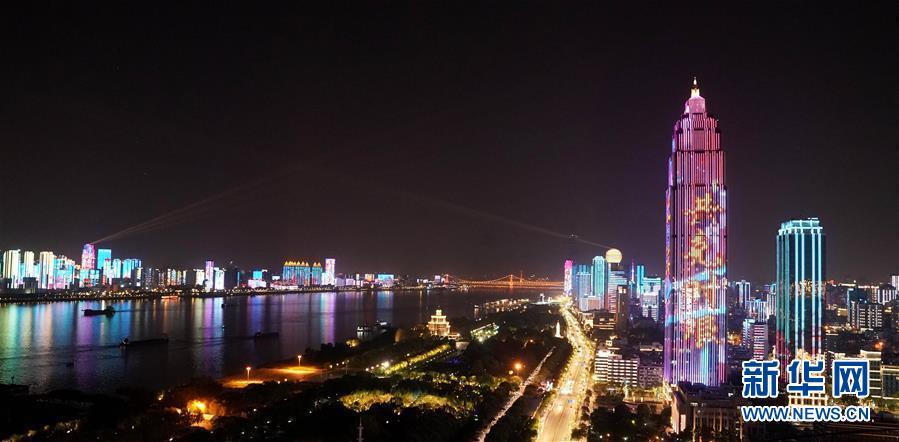 (新华全媒头条·图文互动)(6)上下同心,守望相助——中国抗疫众志成城的生动实践