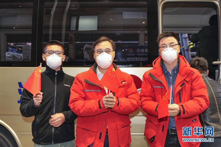 (聚焦疫情防控·图文互动)(8)分秒必争!一切为了治病救人——中国抗疫生命至上的生动实践