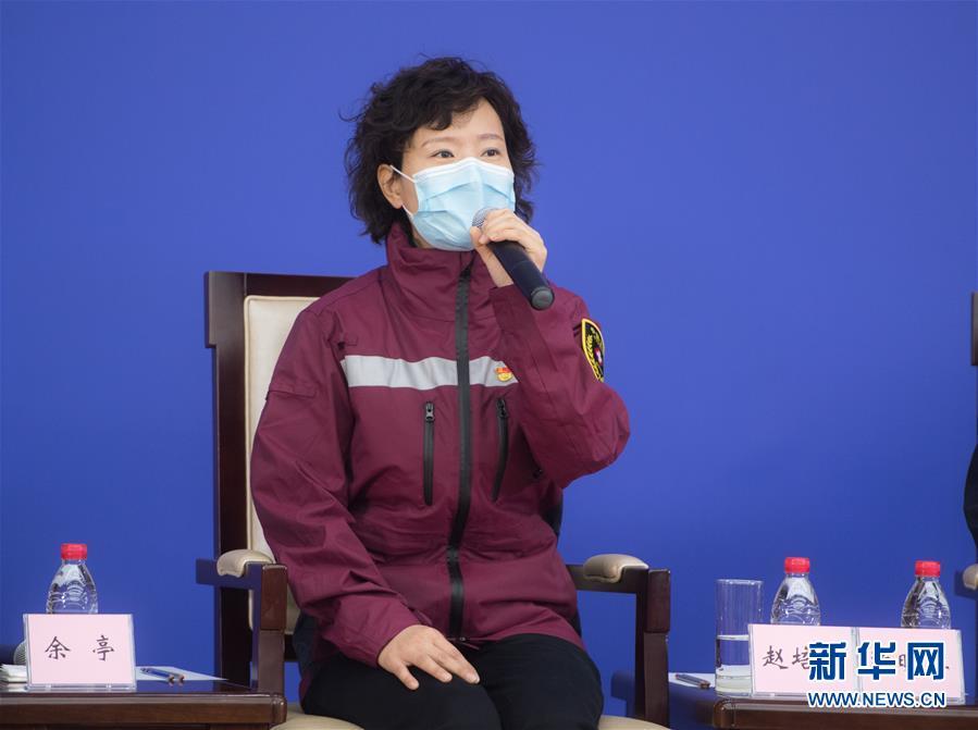 (聚焦疫情防控·图文互动)(5)分秒必争!一切为了治病救人——中国抗疫生命至上的生动实践