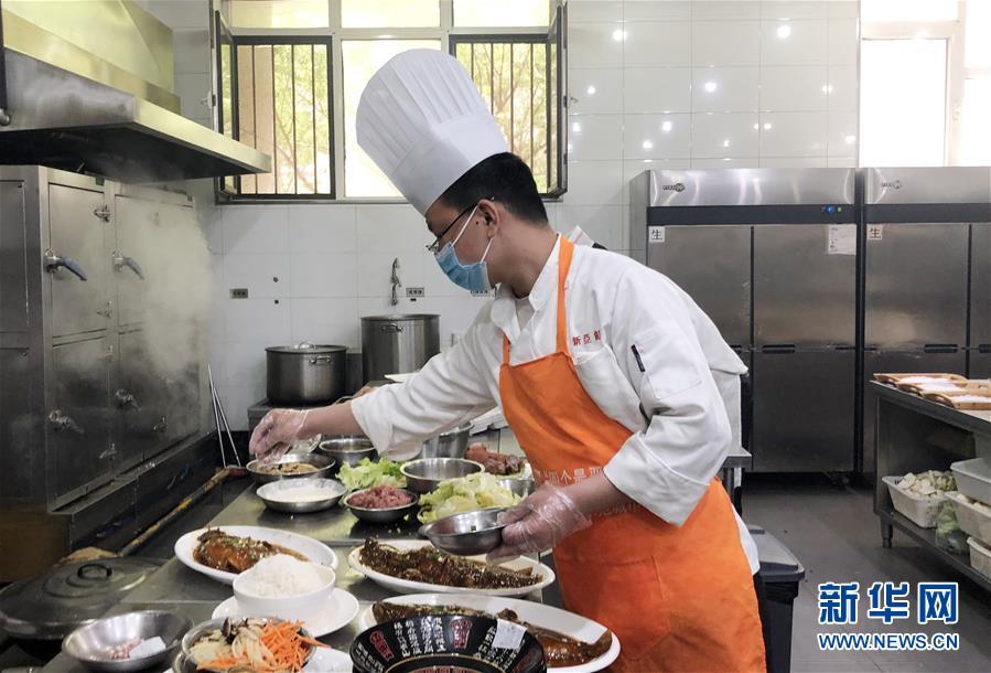 (聚焦復工復産·圖文互動)(3)春暖花開迎客來——天津餐飲業回暖一線直擊