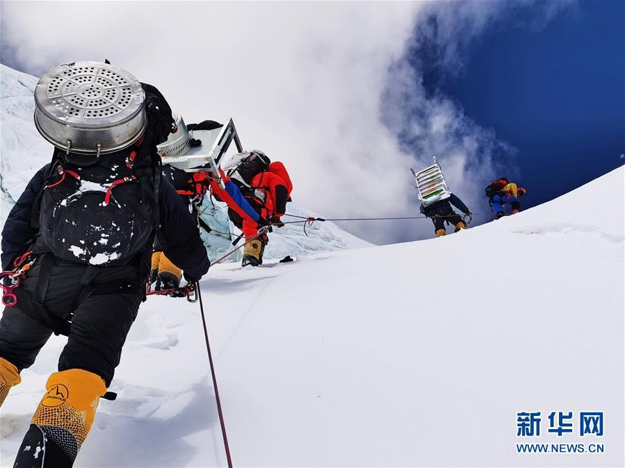 """(2020珠峰高程测量)(3)珠峰好天气 有望打通顶峰之""""路"""""""