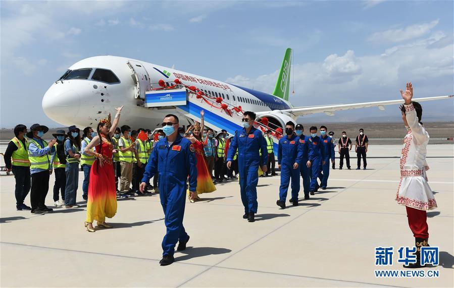 (圖文互動)(3)國産C919客機飛抵吐魯番 開展高溫專項試飛