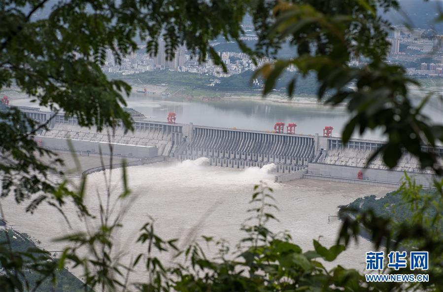 (环境)(2)三峡工程今年首次泄洪 近期或迎新一轮洪水