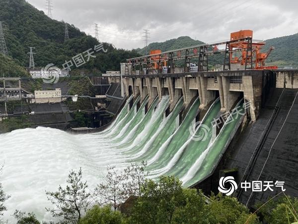 """一組數字看長江流域降雨有多""""暴力"""" 這裏一天下了北京一年的雨"""