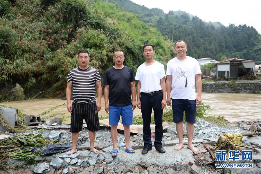 (防汛抗洪·圖文互動)(1)山洪中的生死救援半小時
