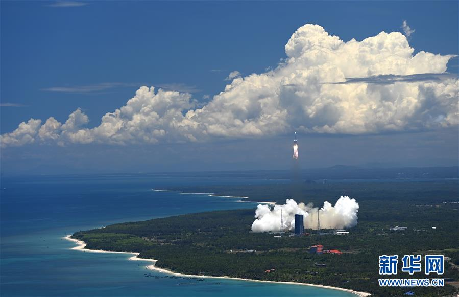 (科技)(2)长征五号遥四运载火箭点火升空  我国首次火星探测任务开始