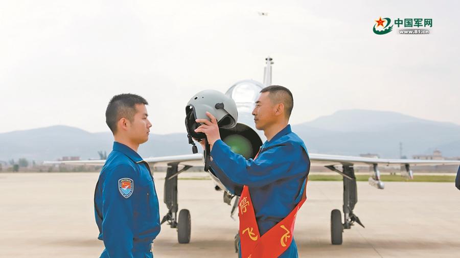 5290小时!他创造出中国空军歼击机安全飞行时间最长纪录生物技术论文