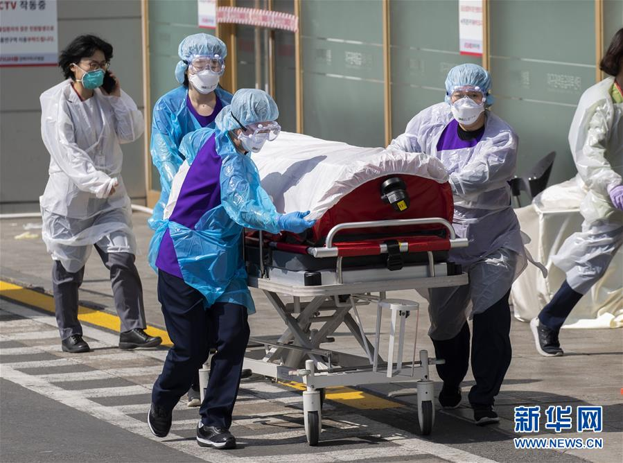 (新華全媒頭條·圖文互動)(5)世界抗疫之戰的啟示——寫在2020年全球新冠確診病例達2020萬之際