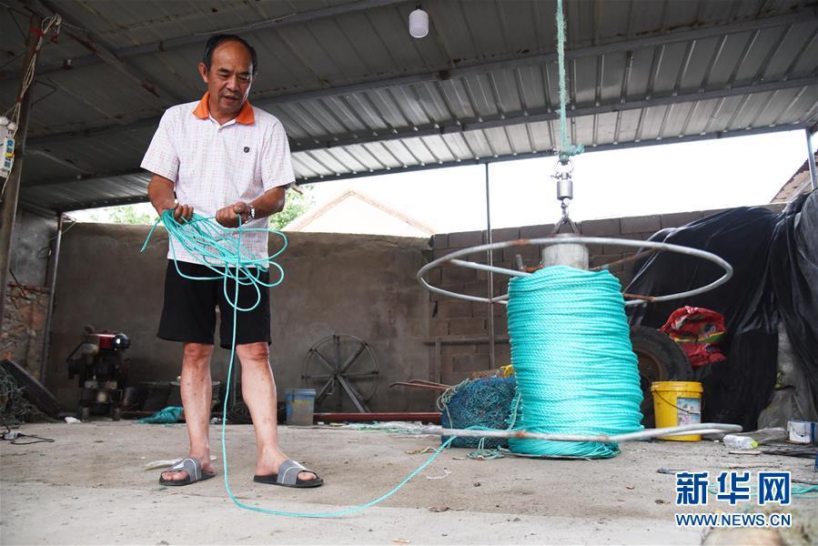 (走向我們的小康生活·圖文互動)(5)長島漁民的扇貝喜事:從請客求人買到供不應求