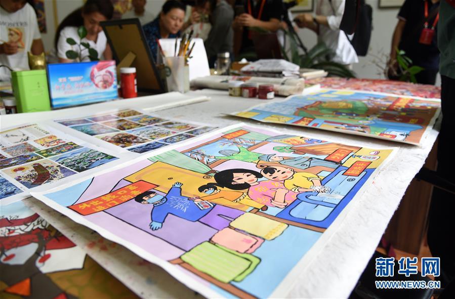 (走向我們的小康生活·圖文互動)(4)放下鋤頭拿畫筆——山東青州農民畫繪出美好新生活