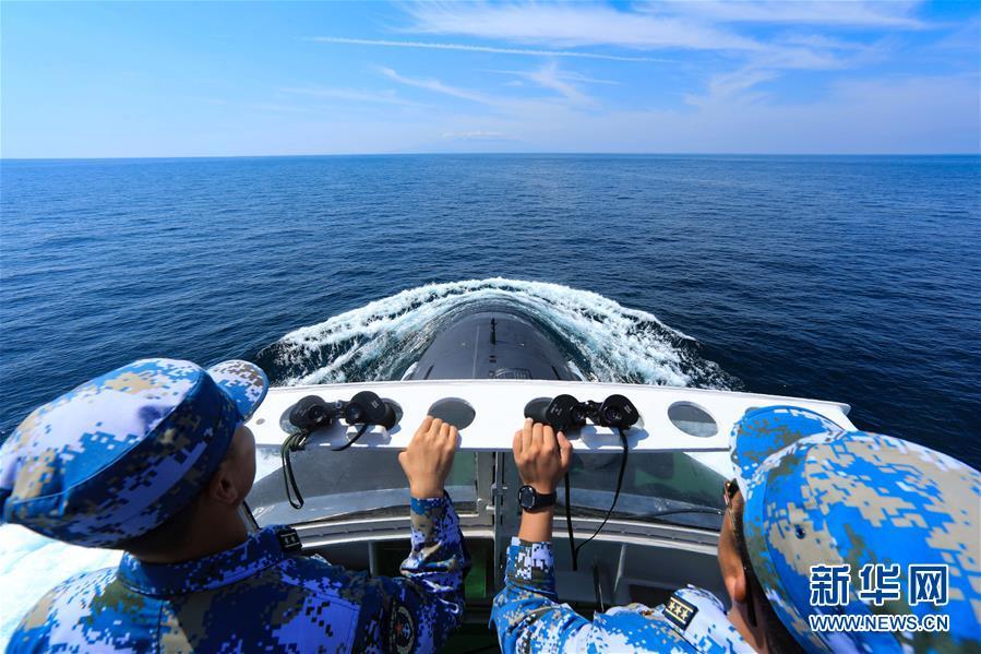 """(在习近平强军思想指引下·我们在战位报告·图文互动)(2)锻造共和国""""水下盾牌""""——北部战区海军某潜艇部队备战打仗记事"""