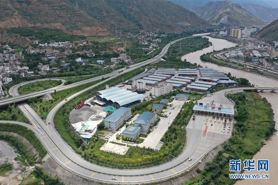 (防汛抗洪)(1)甘肅隴南:因暴洪泥石流災害中斷的高速公路已全部恢復通車