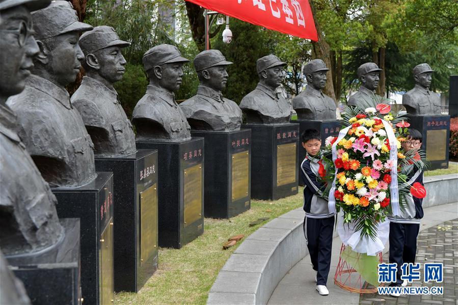 (新华全媒头条·图文互动)(6)铭记历史 砥砺奋进——写在中国人民抗日战争暨世界反法西斯战争胜利75周年之际