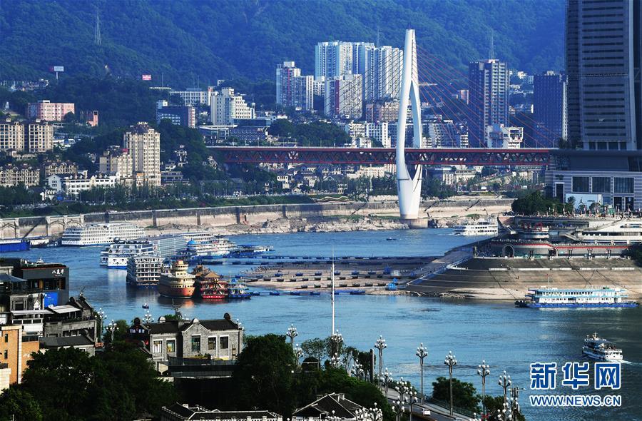 """(新華全媒頭條·圖文互動)(1)西部有個新的""""圈""""——成渝加快雙城經濟圈建設"""