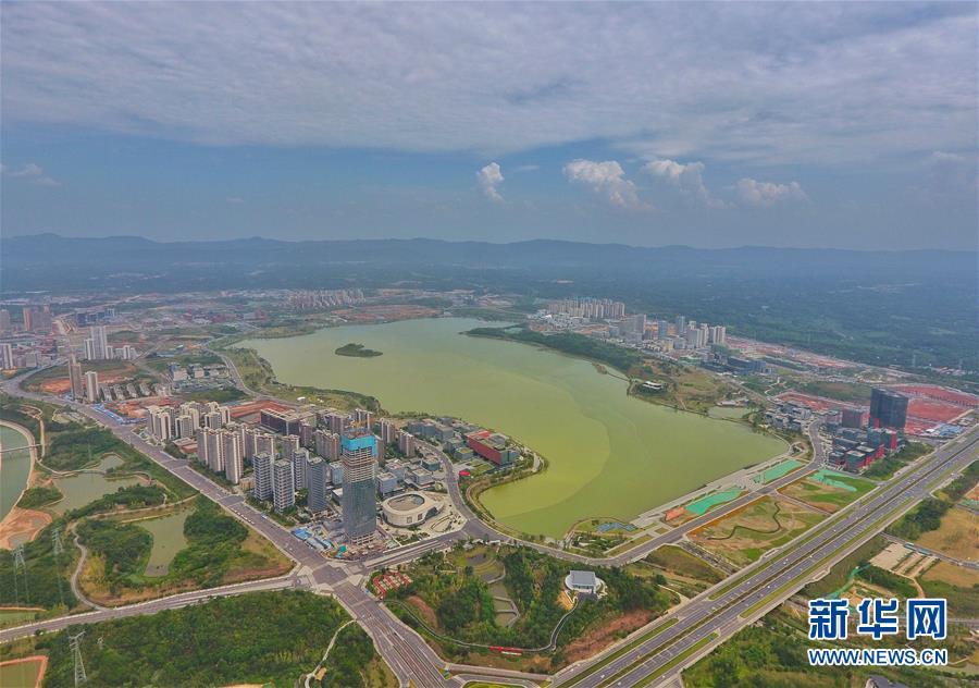 """(新華全媒頭條·圖文互動)(2)西部有個新的""""圈""""——成渝加快雙城經濟圈建設"""