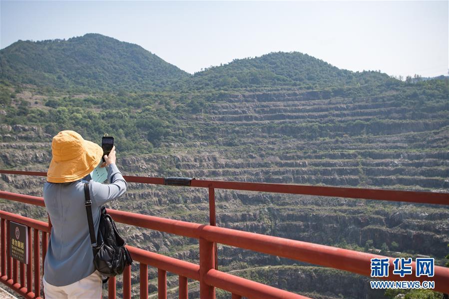 (走向我们的小康生活・图文互动)(2)游客来了,小康近了――生态旅游引领湖北山区蝶变二三事