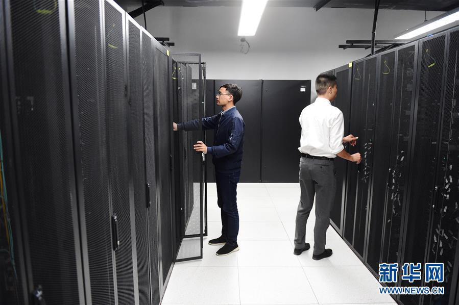 (新华全媒头条·图文互动)(9)大美中国看活力——来自国庆黄金周的一线观察