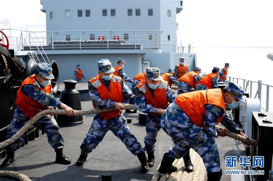 (图文互动)(1)一份勇敢者的事业——海军毕昇舰投身新武器装备试验记事