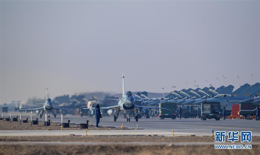 (图文互动)(1)空军某试验训练基地:戈壁深处崛起军事科技人才高地