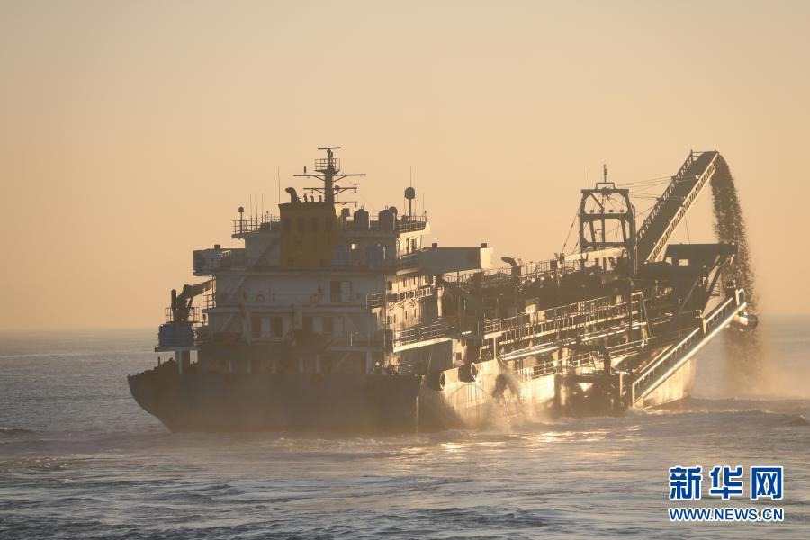 中国海警捣毁特大非法盗采海砂犯罪团伙