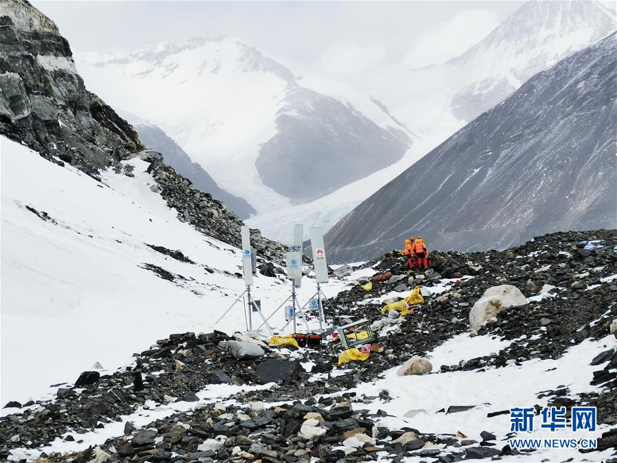 (新华全媒头条·图文互动)(5)往更高处长、往长春北京方向移动——来自海拔8848.86米的报告