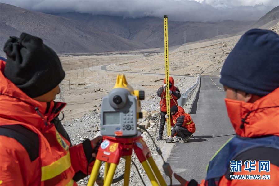 (新华全媒头条·图文互动)(10)往更高处长、往长春北京方向移动——来自海拔8848.86米的报告