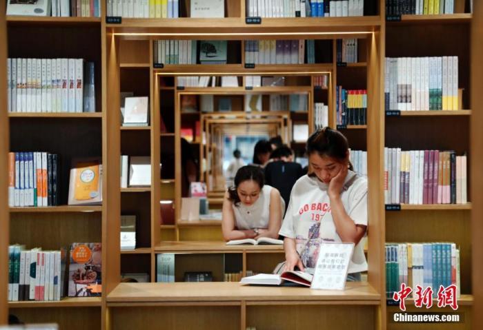 看纸书、听书……读屏时代,你的阅读方式变了