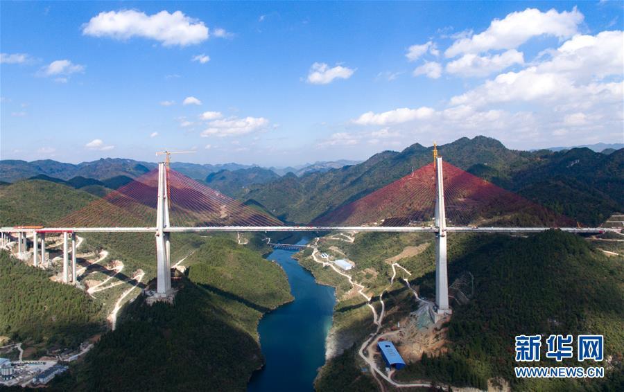 沿着高速看中国:昔日雄关如铁,今朝如履平地