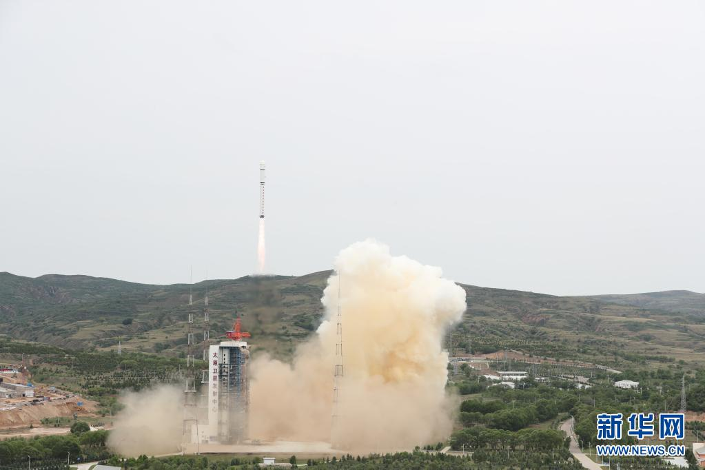 科技 我国成功发射北京三号卫星 搭载发射3颗小卫星
