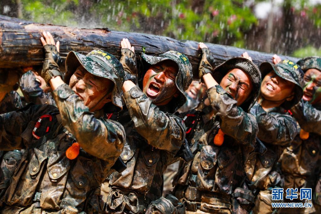 """永远的军魂――陆军第83集团军某旅""""红一连""""锻造红色传人记事"""