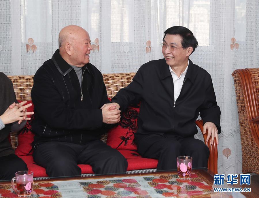 (時政)(1)王滬寧看望文化界知名人士和科技專家