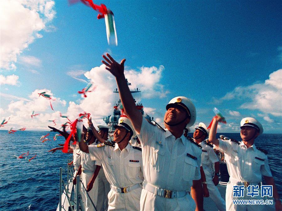(新华全媒头条·人民海军70年·图文互动)(1)向海图强春潮涌——党中央、中央军委和习主席关心人民海军建设发展纪实