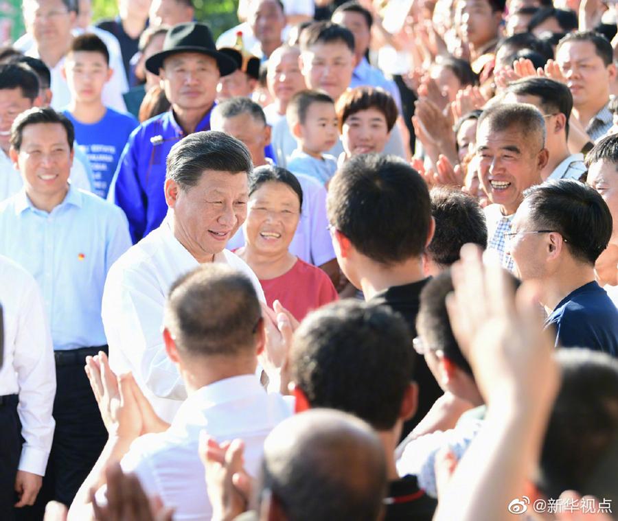 新中国成立70年,总书记农家院里话变化