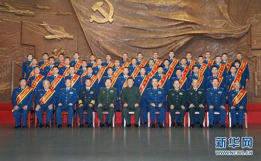 习近平在出席庆祝空军成立70周年主题活动时强调 牢记初心使命