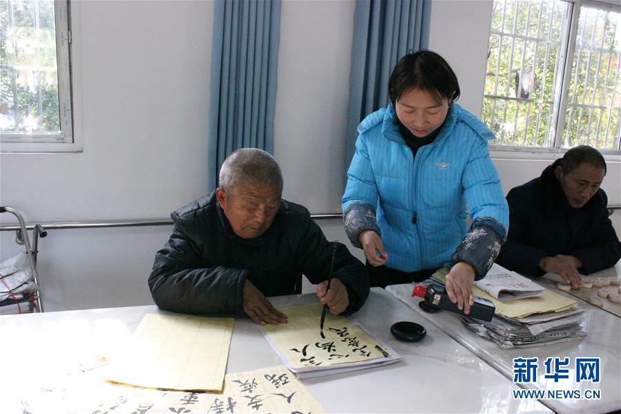 (在习近平新时代中国特色社会主义思想指引下——新时代新作为新篇章·总书记关切脱贫事·图文互动)(3)医疗扶贫,照亮贫困家庭的明天