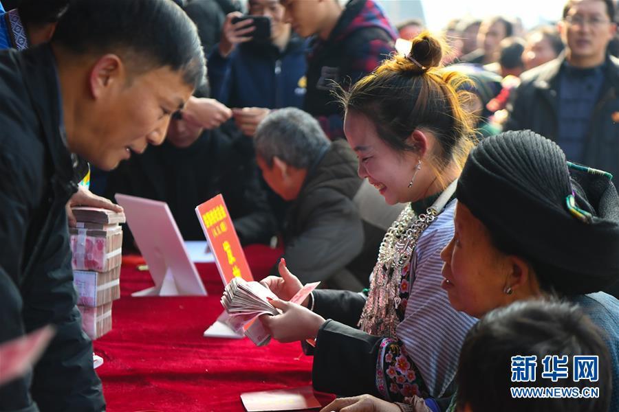 (在习近平新时代中国特色社会主义思想指引下——新时代新作为新篇章·总书记关切脱贫事·图文互动)(4)精准扶贫:提速脱贫奔小康