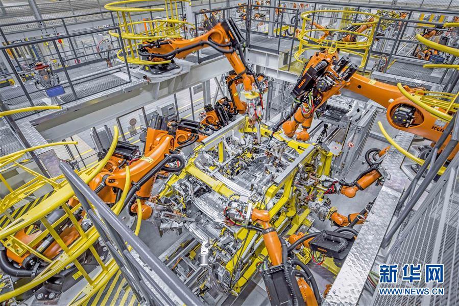 (在習近平新時代中國特色社會主義思想指引下——新時代新作為新篇章·總書記關切高質量發展·科技創新·圖文互動)(3)你好,機器人!