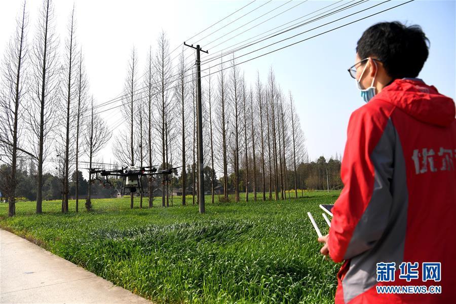 (在習近平新時代中國特色社會主義思想指引下——新時代新作為新篇章·習近平總書記關切事·圖文互動)(6)為農田注入硬核生産力——一些地方春耕中農業科技創新掃描