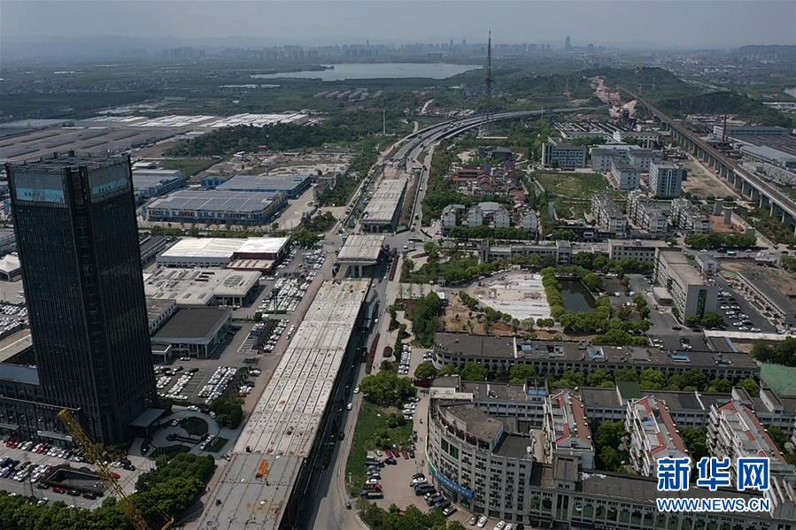 (在习近平新时代中国特色社会主义思想指引下——新时代新作为新篇章·习近平总书记关切事·图文互动)(3)新机遇、新引擎——重大工程重大项目建设新动向观察