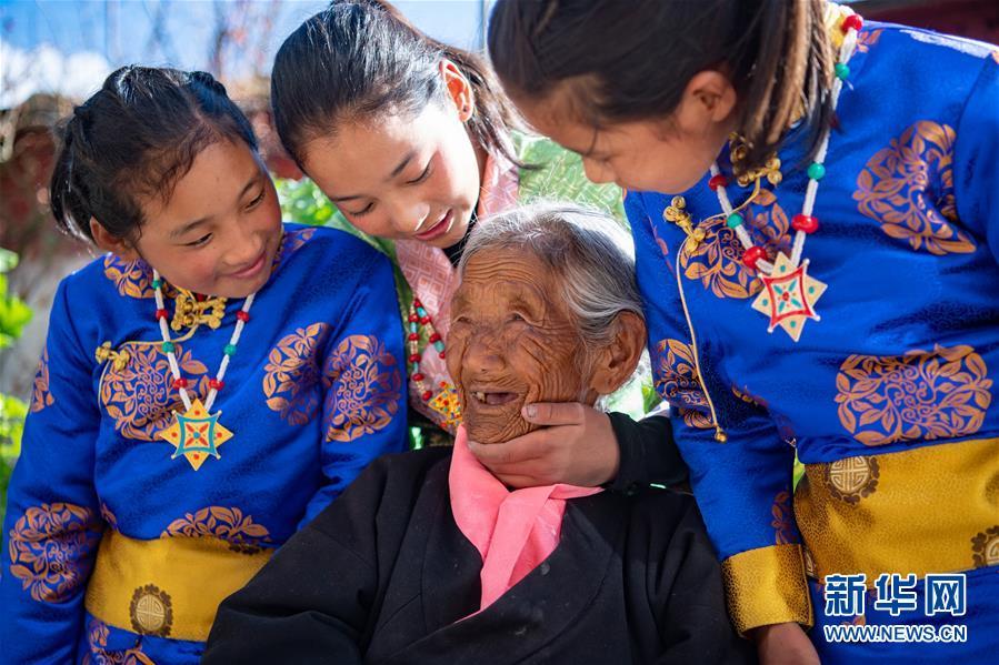 (新华全媒头条・图文互动)(8)阔步走在新时代康庄大道上――以习近平同志为核心的党中央关心西藏工作纪实