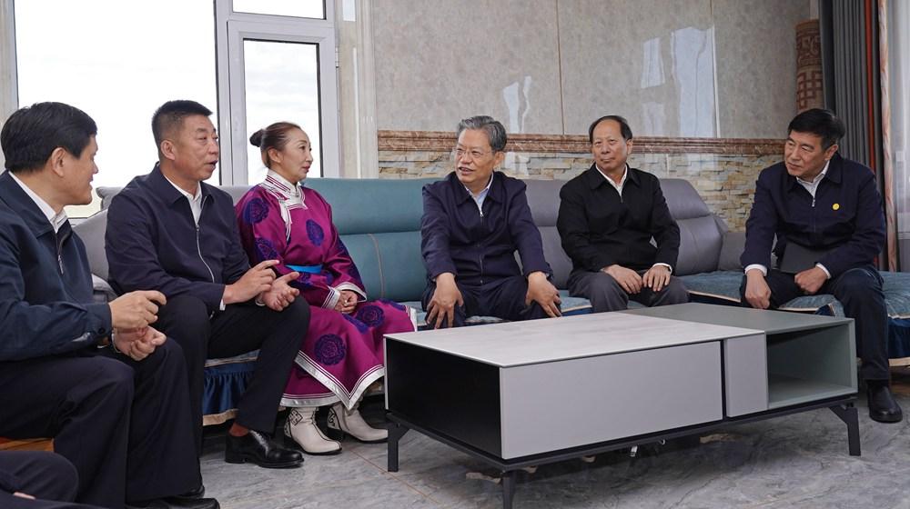 趙樂際在內蒙古調研