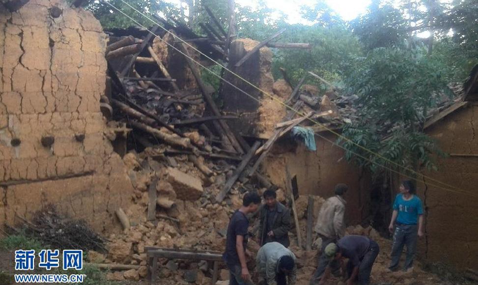 8月3日,地震導致巧家縣居民房屋受損。