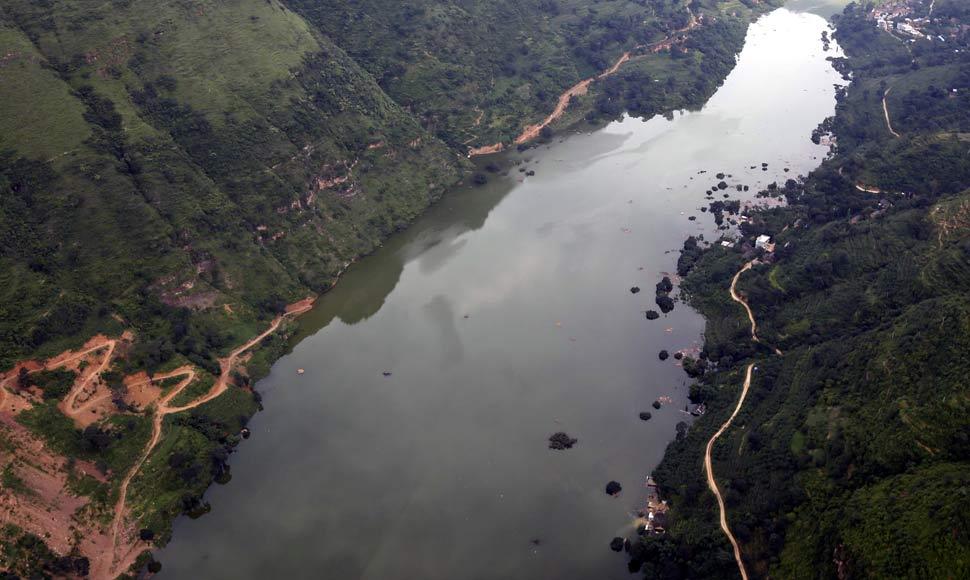 震區航拍照片公布 堰塞湖水位漲勢趨緩