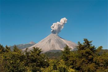 科利馬火山噴發
